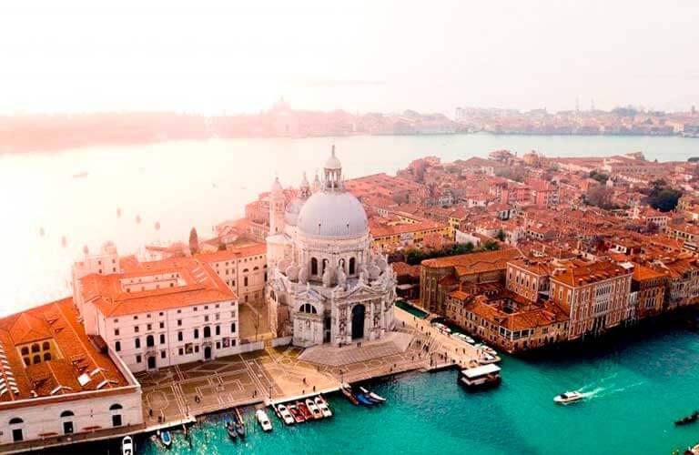 Italien ist eines der schönsten Reiseziele mit dem Wohnmobil.
